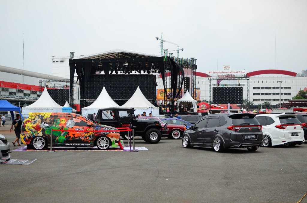 MAXI Auto Modfest hadirkan 45 mobil modifikasi dengan berbagai jenis aliran. MAXI