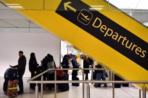 Polisi Inggris Telusuri Petunjuk Kasus Drone Bandara
