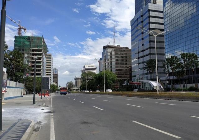 Jalan Sudirman, Jakarta Pusat tampak lengang--Medcom.id/Ilham Pratama Putra