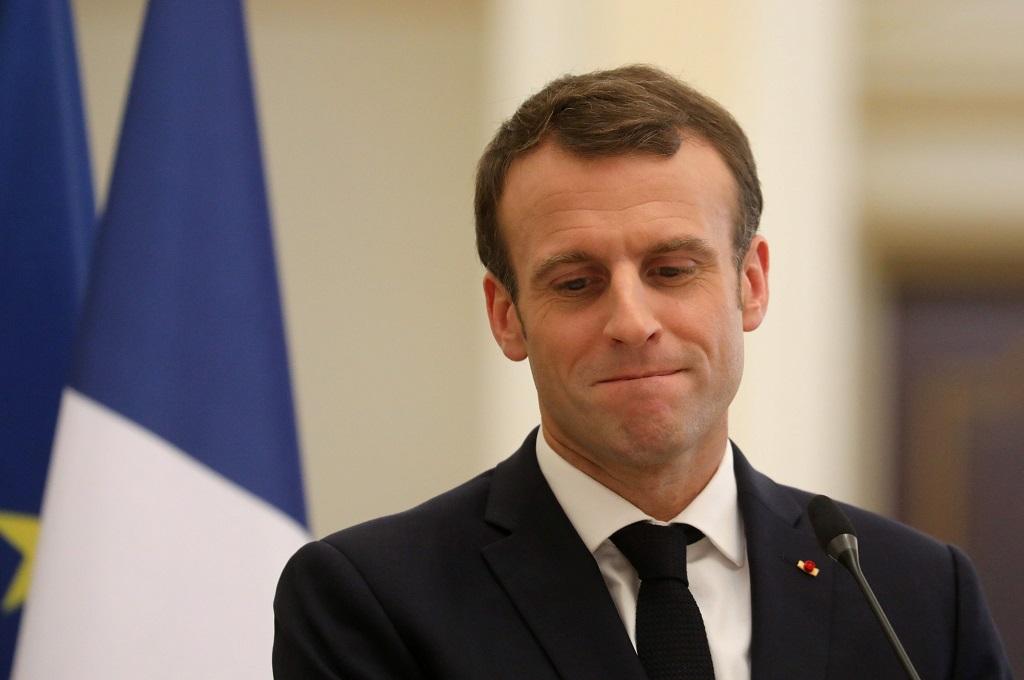 Presiden Prancis Emmanuel Macron dalam kunjungan ke Chad, 23 Desember 2018. (Foto: AFP/LUDOVIC MARIN)