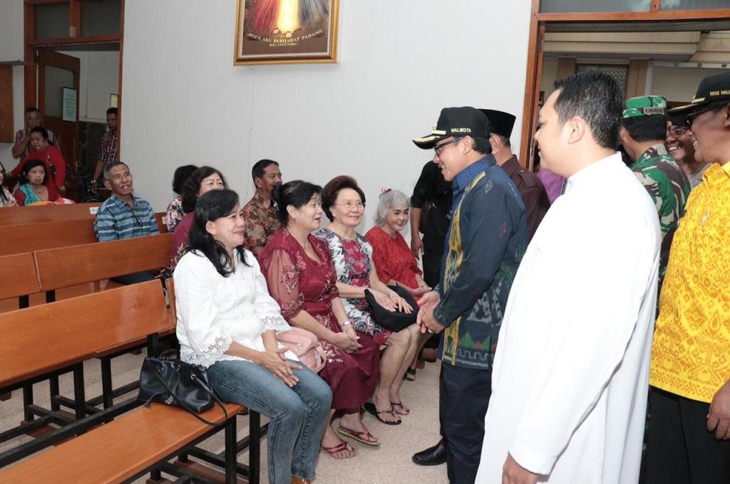 Wali Kota Malang mengikuti kegiatan safari Gereja menjelang perayaan Natal 2018, Senin, 24 Desember 2018, Medcom.id - Daviq