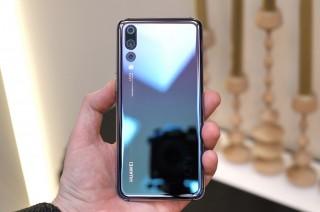Boikot Apple, Perusahaan Tiongkok Subsidi Pembelian Ponsel Huawei