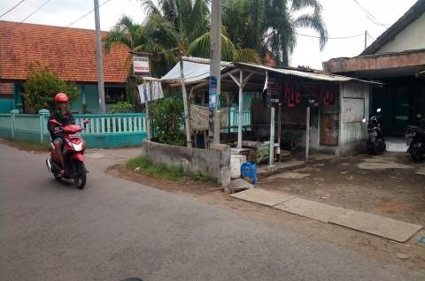 Dua Pengunjung Warung Kopi Diserang