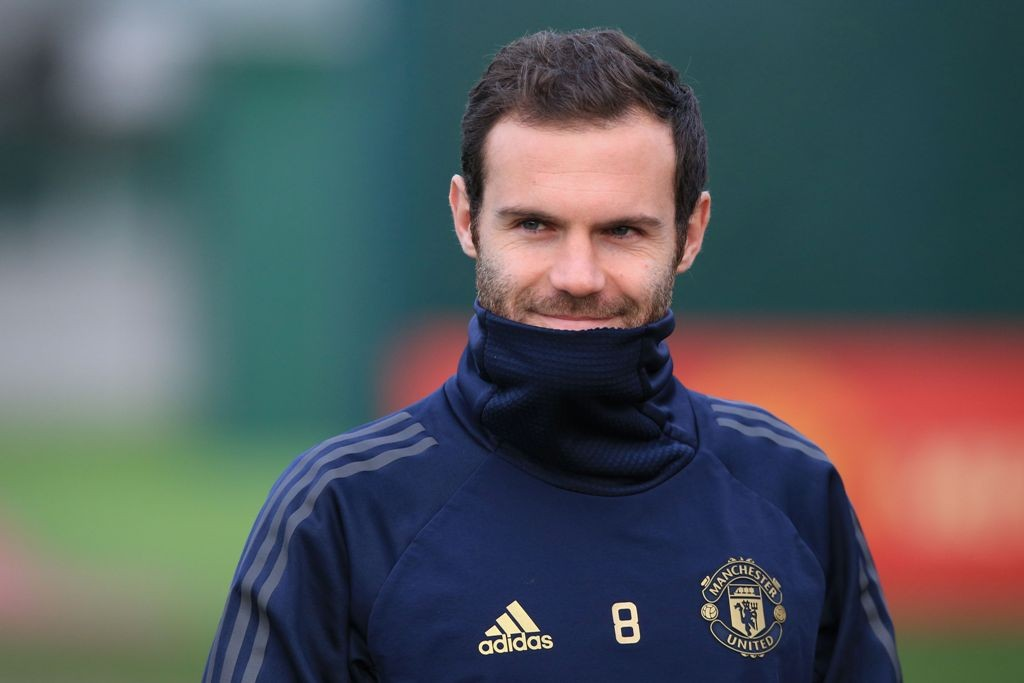Juan Mata merasa aura optimisme di Manchester United lebih terasa (AFP/Lindsey Parnaby)