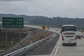 Tol Trans-Jawa Diklaim Turunkan Jumlah Penumpang Maskapai