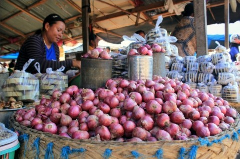 Bawang Merah Tembus Rp35 Ribu/Kg di Pasar Induk Kramat Jati
