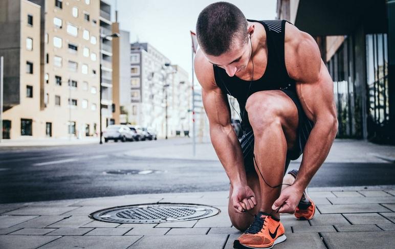 Lagi pula, kini Anda tak perlu berlama-lama dalam berolahraga. Cukup meluangkan 1 sampai 10 menit saja. (Foto Ilustrasi: Aleksander Redl/unsplash.com)