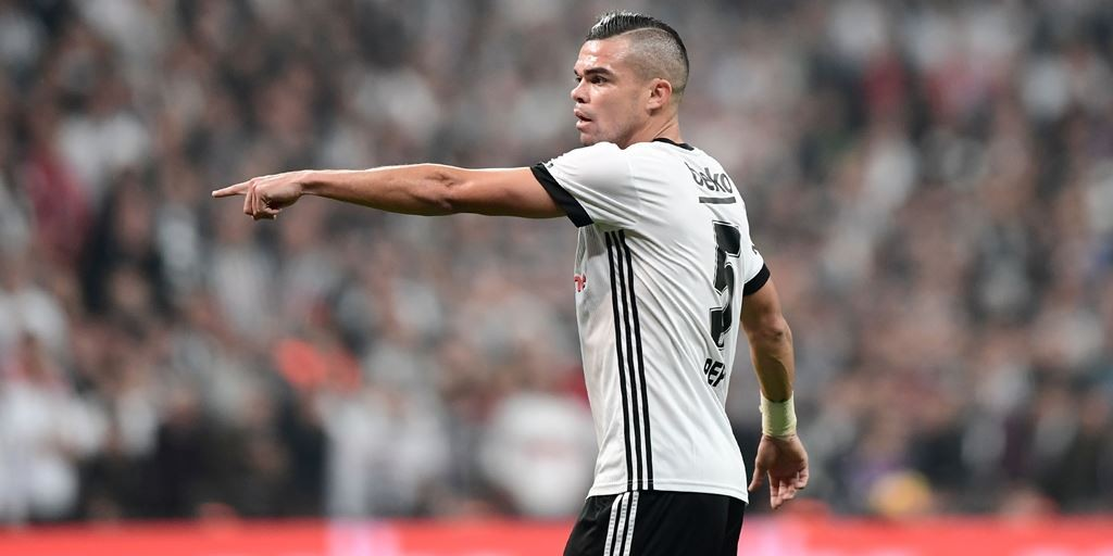 Pepe semakin dekat ke AS Monaco setelah kontraknya diputus Besiktas (AFP/Ozan Kose)