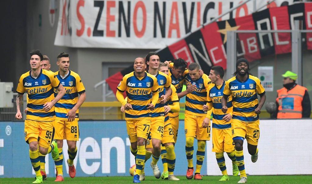 Pemain Parma merayakan gol Roberto Ingelese ke gawang Fiorentina (AFP/Miguel Medina)