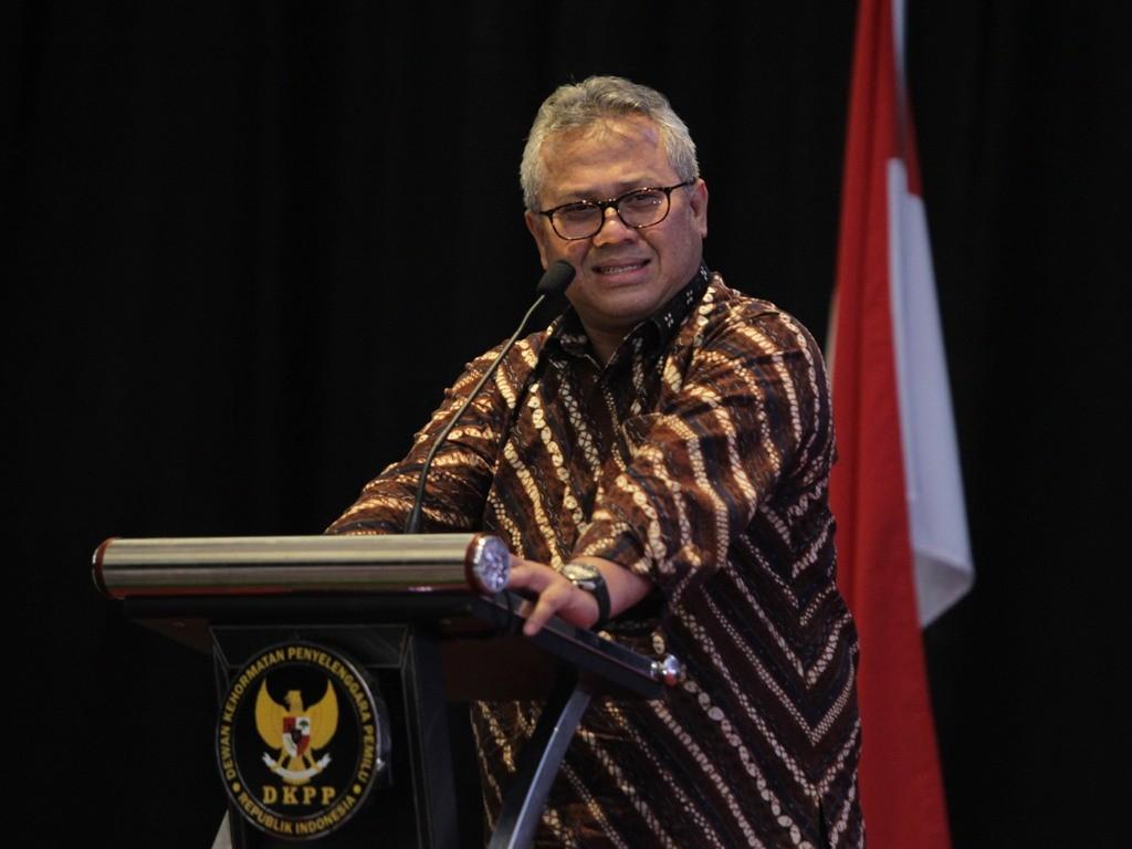 Ketua KPU Arief Budiman menghormati tindakan Partai Hanura yang melaporkan dirinya ke Mabes Polri. Foto: MI/Pius Erlangga.
