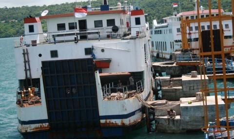 Penumpang Kapal Ferry Turun Drastis Usai Tsunami