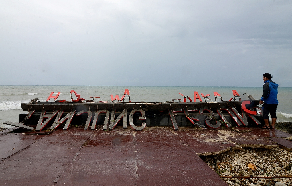 Suasana usai terjadi tsunami di Banten. (FOTO: MI/Susanto)