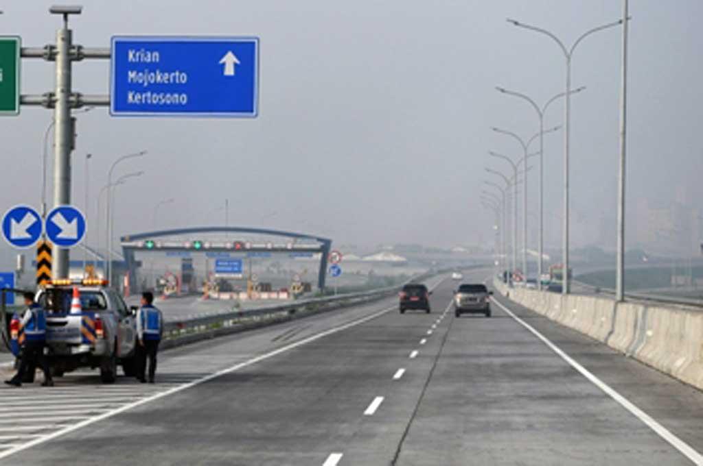 Perhatikan batas kecepatan kendaraan di jalan tol. Antara Foto/Zabur Karuru