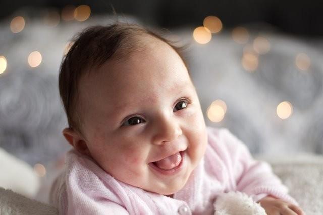 Benarkah bayi yang dilahirkan panjang akan tinggi? Simak informasinya berikut ini. (Foto: Carlos Martinez/Unsplash.com)