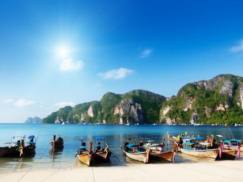 BNPB Sulut Larang Warga Beraktivitas di Pesisir Pantai