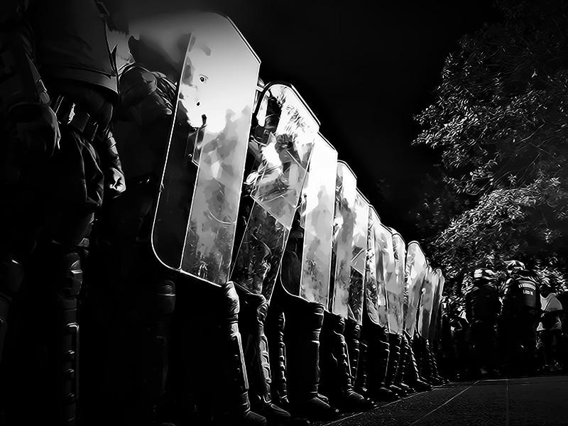 Polisi berjaga. Ilustrasi: Medcom.id/Mohammad Rizal.