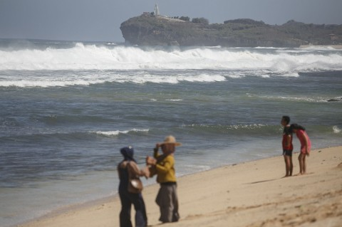 Pemerintah Diminta Perhatikan Jalur Evakuasi Tsunami Pantai Selatan