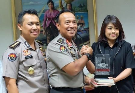 Karo Penmas Polri, Brigjen Pol Dedi Prasetyo (tengah). Foto: MI/Palupi.