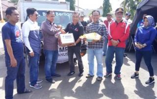 Dompet Kemanusiaan Media Group Bantu Korban Tsunami di Lampung Selatan