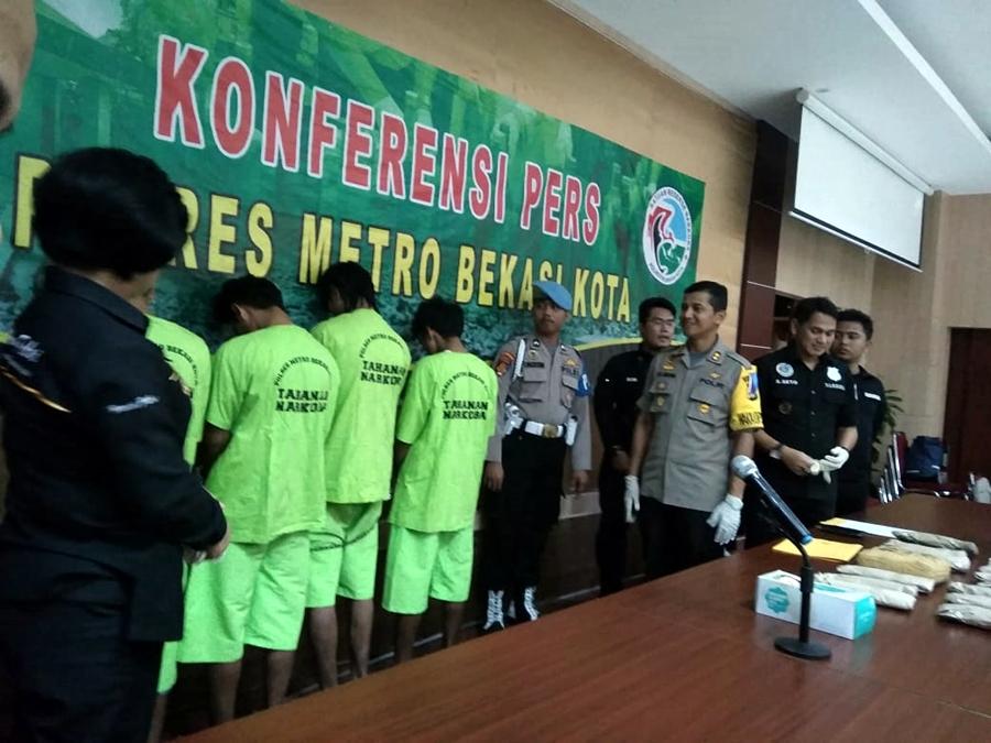 Empat orang kaki tangan pengedar besar sudah menyalurkan ratusan kilogram ganja di sekitar Jawa Barat. Medcom.id/Antonio
