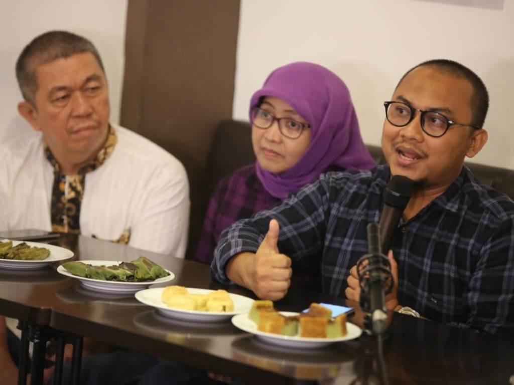 Pengamat Politik Veri Junaidi (kanan). Foto: MI/Agus Mulyawan.