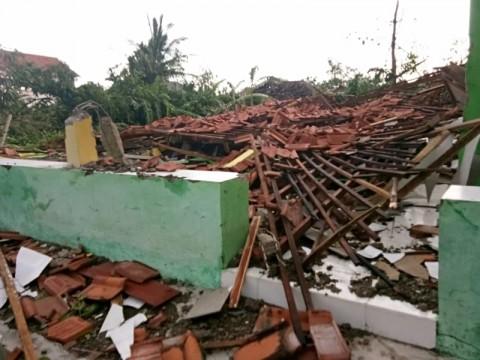 Puting Beliung Terjang Cirebon, 165 Rumah Rusak Berat