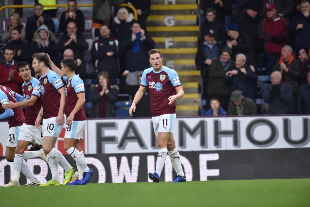 Pemain Burnley merayakan gol Chris Wood (11) ke gawang West Ham (twitter @BurnleyOfficial)