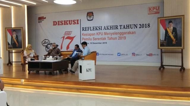 Ketua KPU Arief Budiman (dua dari kiri pembaca)/Medcom.id/Fachri