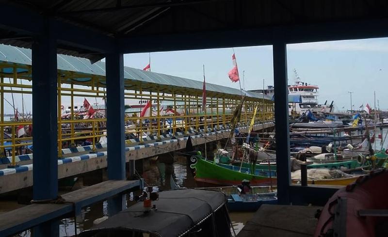 Kapal-kapal bersandar di Dermaga Kartini, Jepara, Jawa Tengah. Medcom.id/Rhobi Shani