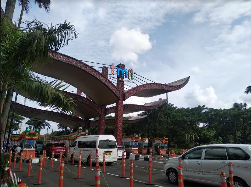Pintu masuk Taman Mini Indonesia Indah (TMII). Medcom.id/Muhammad Al Hasan