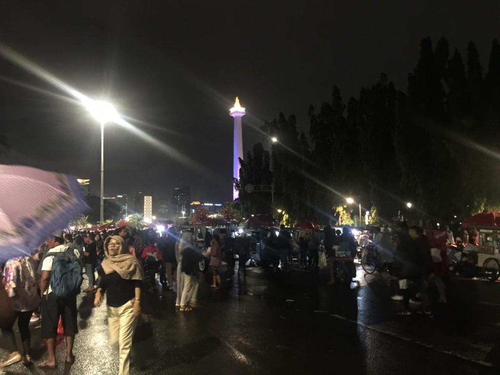 Situasi kawasan Monas, Jakarta Pusat, di malam pergantian tahun. Medcom.id/Kumara Anggita