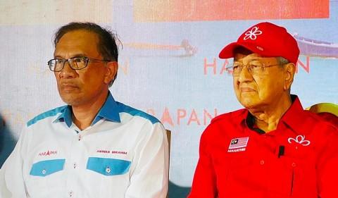 Ingin Alihkan Jabatan PM ke Anwar Ibrahim, Mahathir Dipuji