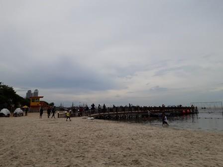 Situasi Pantai Karnacal Ancol, Jakarta Utara. Medcom.id/Intan Yunelia