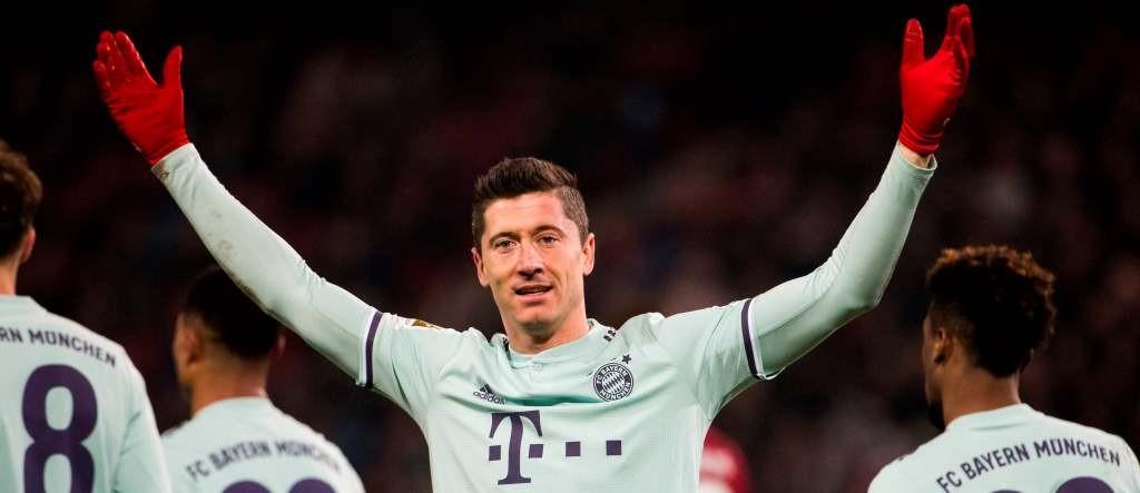 Robert Lewandowski membuka peluang pensiun di Bayern Munchen (AFP/Odd Andersen)