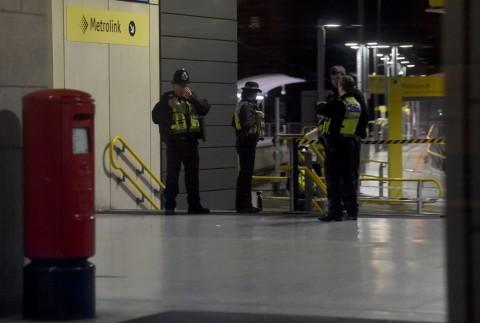 Penikaman di Manchester, Tiga Orang Terluka