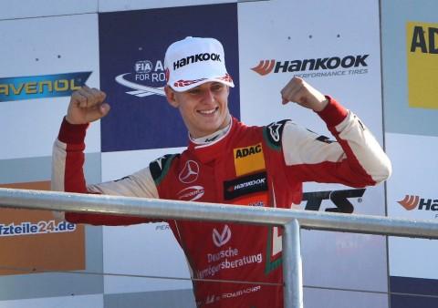 Bos Mercedes Bantah Kontrak Anak Schumacher