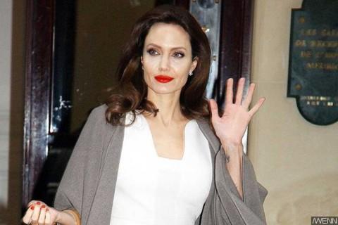 Angelina Jolie Besut Program TV untuk Anak-anak