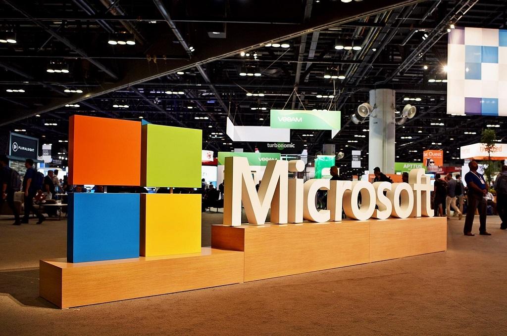 Microsoft menjadi perusahaan dengan nilai tertinggi pada akhir tahun 2018.