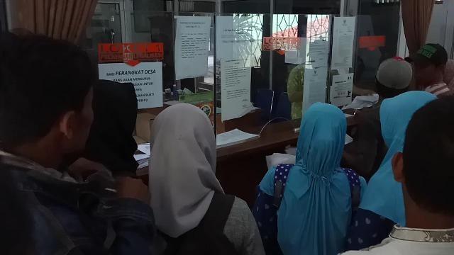 Warga melakukan perekaman KTP-el di Kecamatan Wanasari, Kabupaten Brebes, Jawa Tengah. (Medcom.id/Kuntoro Tayubi)