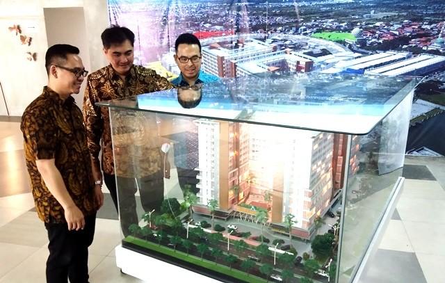 Maket sebuah proyek apartemen yang sedang dikembangkan di Tambak Oso, Waru, Sidoarjo, Jawa Timur. dok/MI/Heru Susetyo
