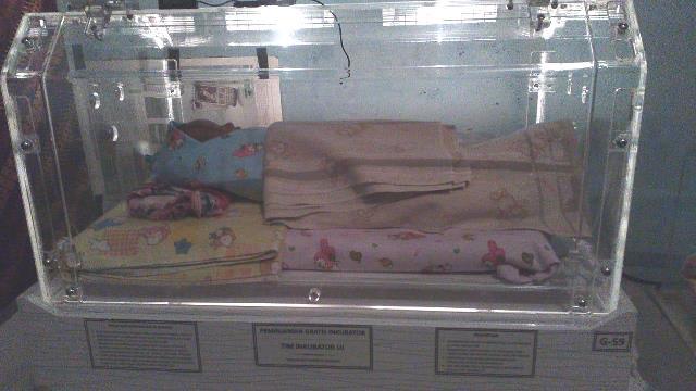 Inkubator yang selalu membantu para bayi yang terlahir prematur. (Foto: Dok. Ahmad Nofal Safary)