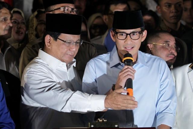 Pasangan calon presiden dan wakil presiden Prabowo Subianto (kiri) dan Sandiaga Uno (kanan) di kediaman Prabowo, Jalan Kertanegara, Jakarta. Foto: MI/Pius Erlangga.