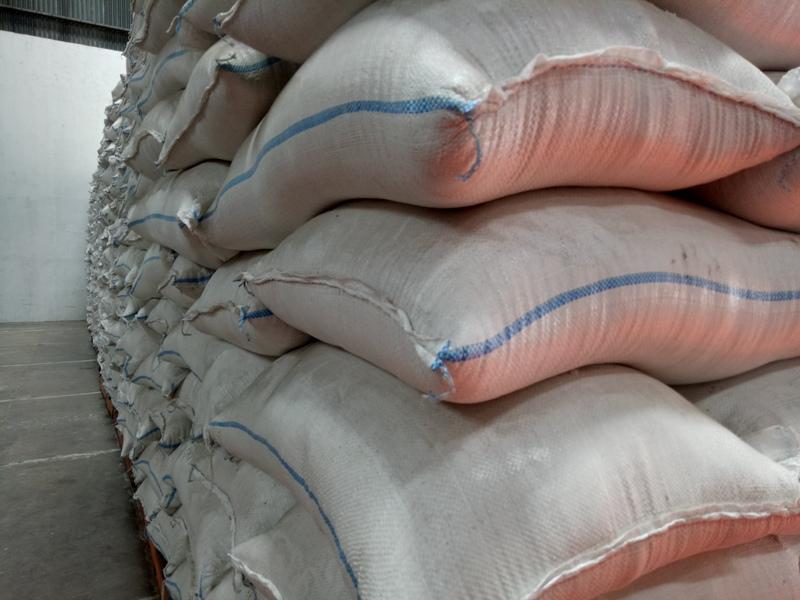 Ilustrasi beras di Gudang Bulog Sub Divre Malang, Kamis 3 Januari 2019.