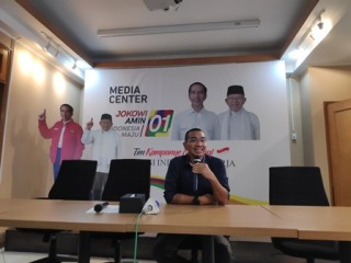 Jokowi Ready to Attend First Presidential Debate: Campaign Team