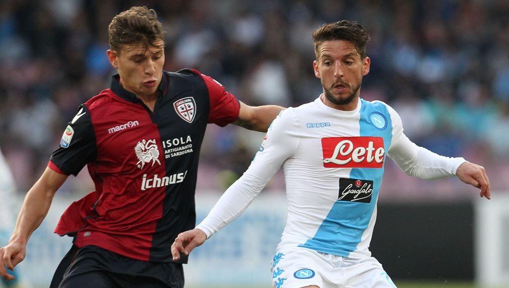 Nicolo Barella (kiri) ingin pindah ke tim yang bisa bersaing mendapatkan trofi (AFP/Carlo Hermann)