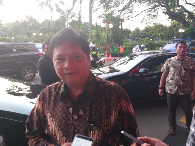 Menteri Perindustrian (Menperin) Airlangga Hartarto, Medcom/Ilham WIbowo.
