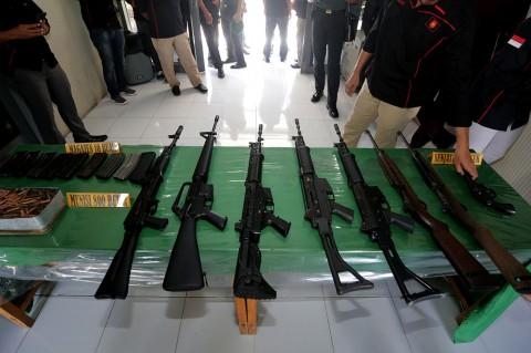 Mantan Kombatan GAM Serahkan 8 Senjata ke TNI