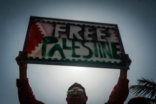 Rombongan Pejabat Palestina Diserang Pemukim Yahudi