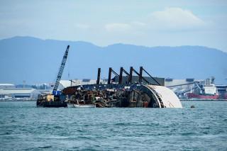 Tanker Pembawa BBM Karam di Laut Alor