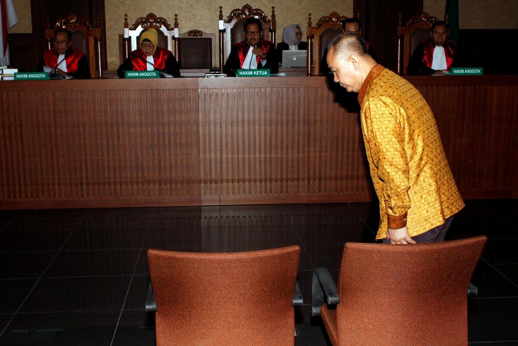 Mantan Kepala BPPN Syafruddin Arsyad Temenggung bersiap menjalani sidang pembacaan eksepsi di Pengadilan Tipikor, Jakarta. Foto: MI/Bary Fathahilah.
